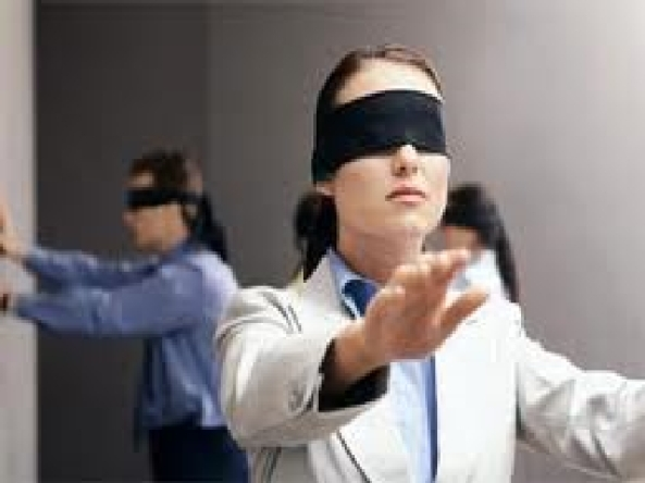stress-management-mba-students-activity-blindfold